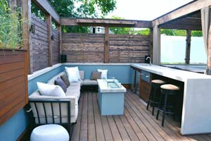 Outdoor Bar with Built-in Seating